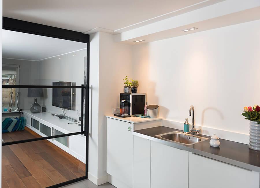Stalen deuren en kozijnen stijlvol en duurzaam for Deuren en kozijnen